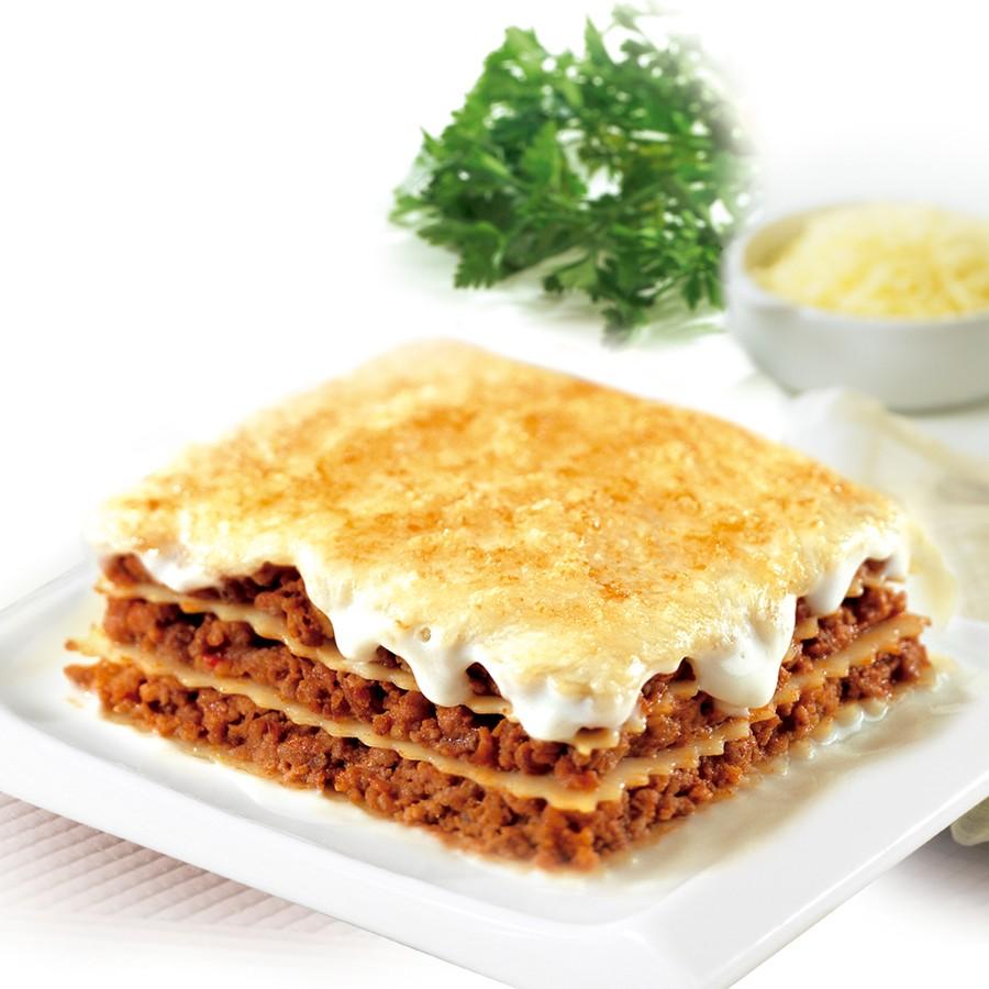 lasagna bolognese with bechamel sauce