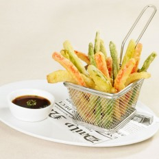 Vegetable sticks in tempura