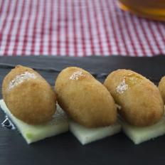 Rabas Empanadas con mayonesa de lima